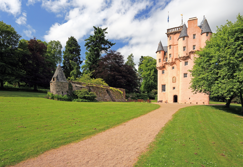Visit Craigievar Castle as part of your scottish golf tour with Drumgolf